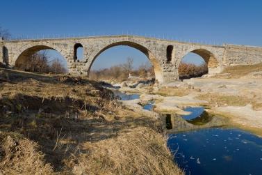 Pont Julien